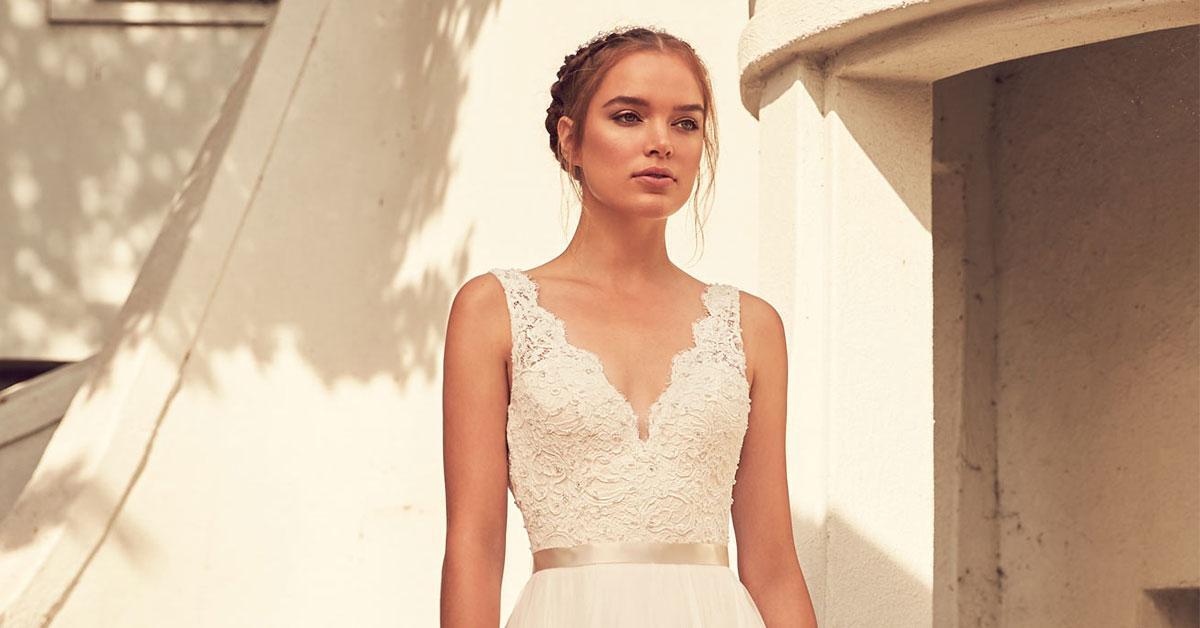 Paloma Blanca Style 4798   Bridal Fashion Friday